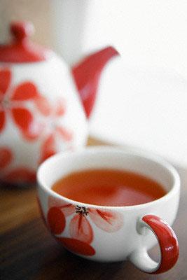 ...где не любили бы чай.  Этот напиток занимает второе место после воды.