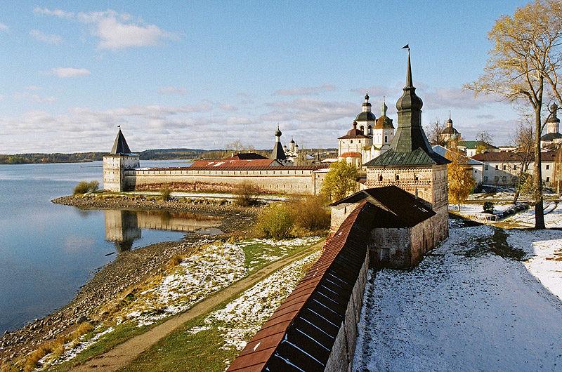 стены Кирилло-Белозерского