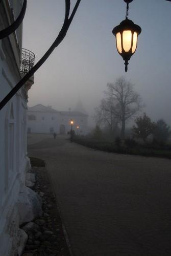 Утро в монастыре