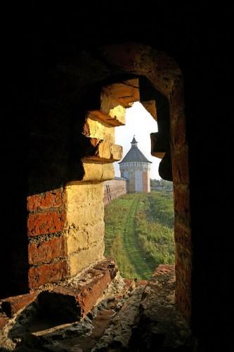 Спасо-Прилуцкий монастырь. Вид на крепостную башню
