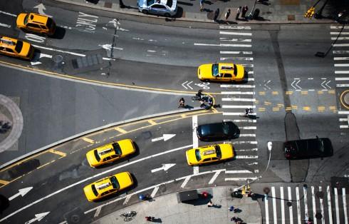 Пешеходные переходы Нью-Йорка и Токио (14)