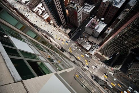 Пешеходные переходы Нью-Йорка и Токио (15)