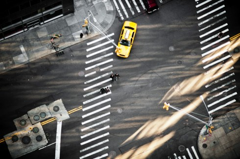 Пешеходные переходы Нью-Йорка и Токио (17)