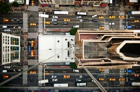 Пешеходные переходы Нью-Йорка и Токио (7)