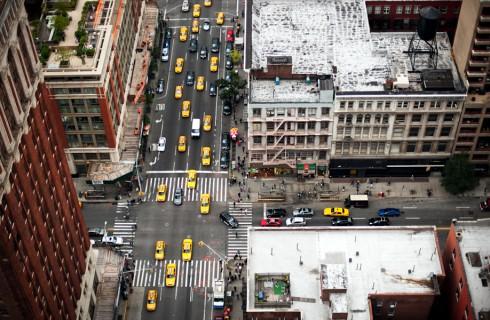 Пешеходные переходы Нью-Йорка и Токио (8)