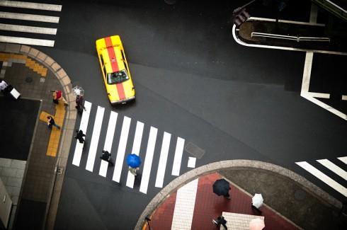 Пешеходные переходы Нью-Йорка и Токио (9)